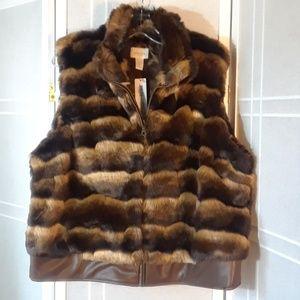 Chico's faux fur vest XL